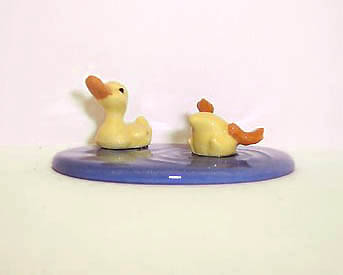 Hagen Renaker Miniature, Ducks w/Pond Set