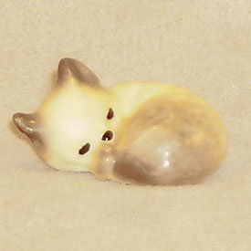 Hagen Renaker Miniature, kitten Sleeping